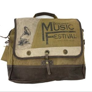 Clea Ray Music Festival Messenger Bag crossbody